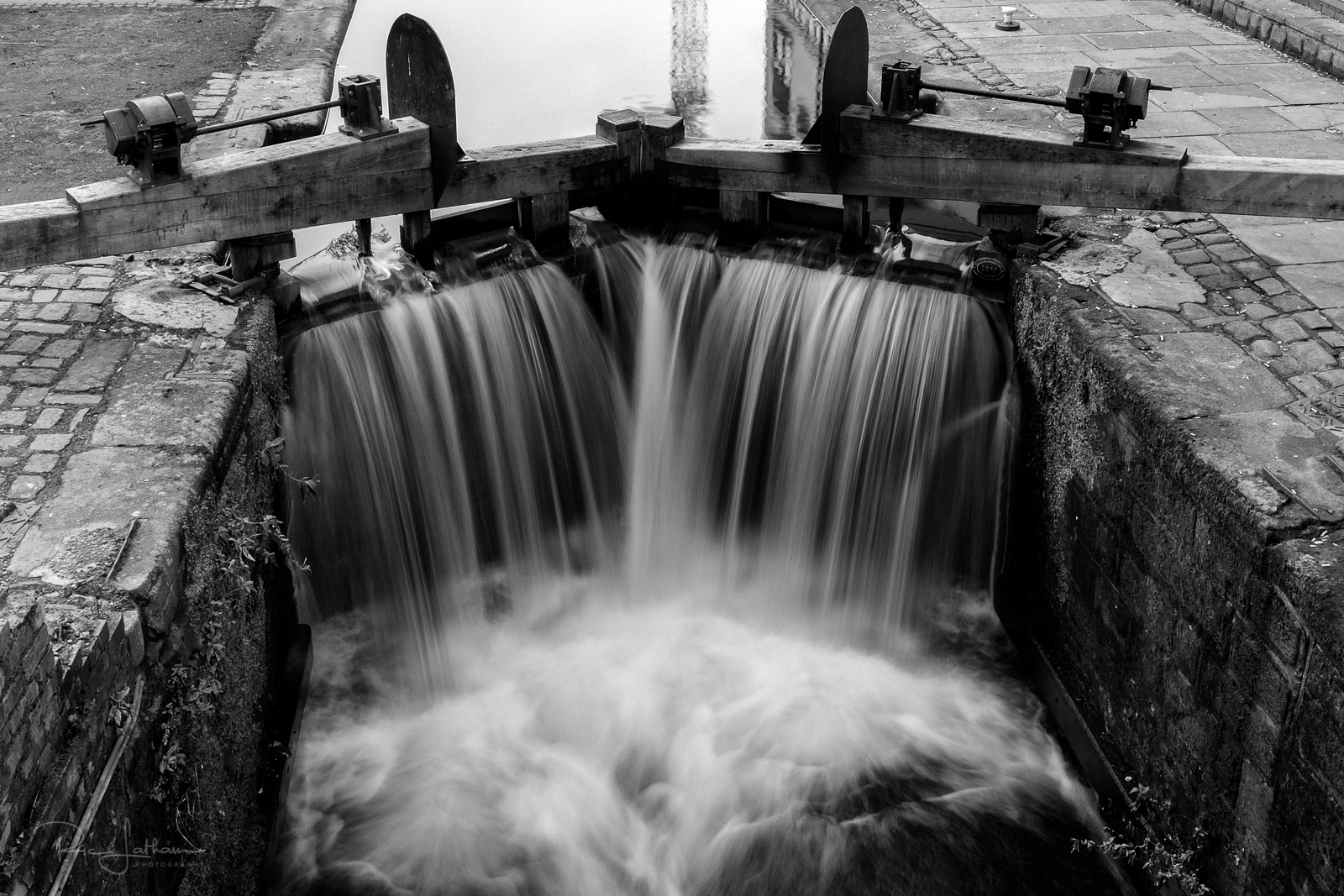long-exposure-manchester-canal
